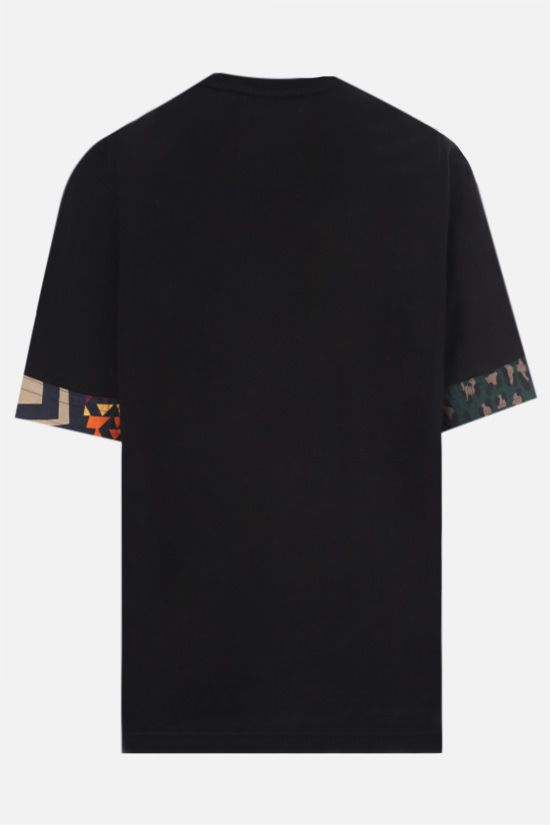 SACAI: t-shirt in cotone con inserti stampati Color Black_2