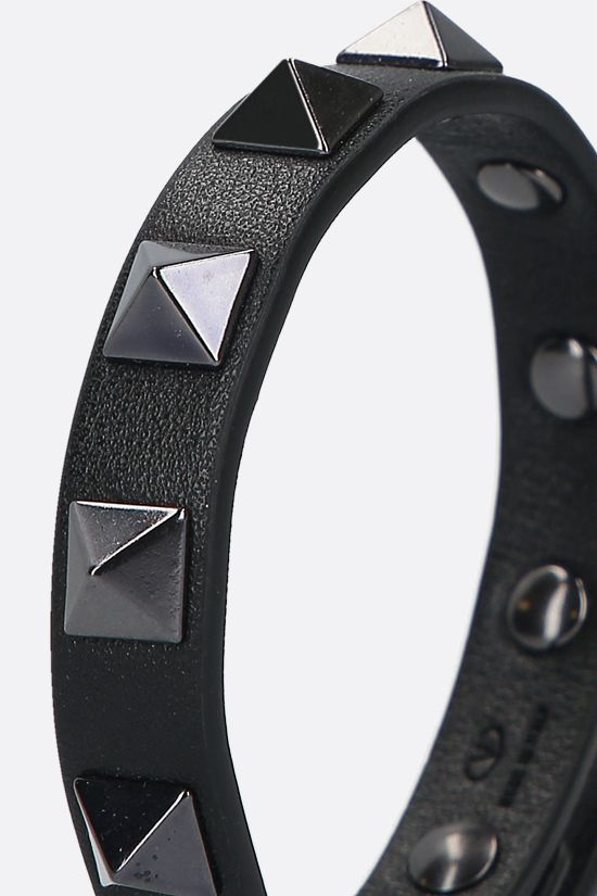 VALENTINO GARAVANI: Rockstud Noir smooth leather bracelet Color Black_2