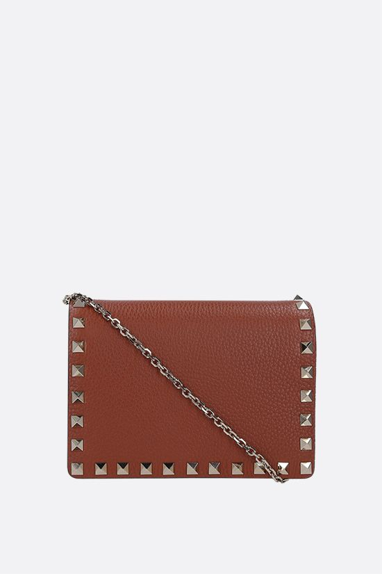 VALENTINO GARAVANI: Rockstud chain grainy leather clutch Color Brown_1