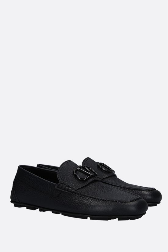 VALENTINO GARAVANI: VLOGO grainy leather driving shoes Color Black_2