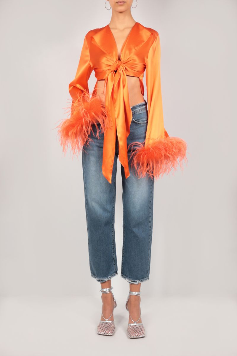 VERGUENZA: Avaricia feather-detailed knotted shirt Color Orange_2