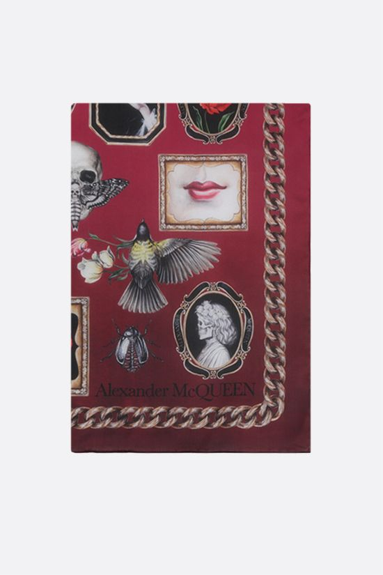 ALEXANDER McQUEEN: Cameo and Curiosities print silk foulard Color Red_1