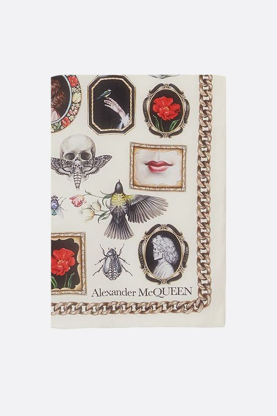 ALEXANDER McQUEEN: Cameo and Curiosities print silk foulard Color White_1