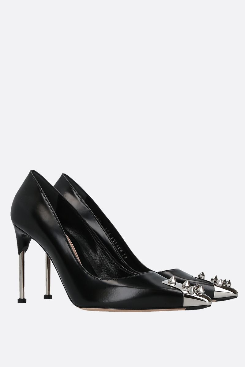 ALEXANDER McQUEEN: punk stud-detailed shiny leather pumps Color Black_2