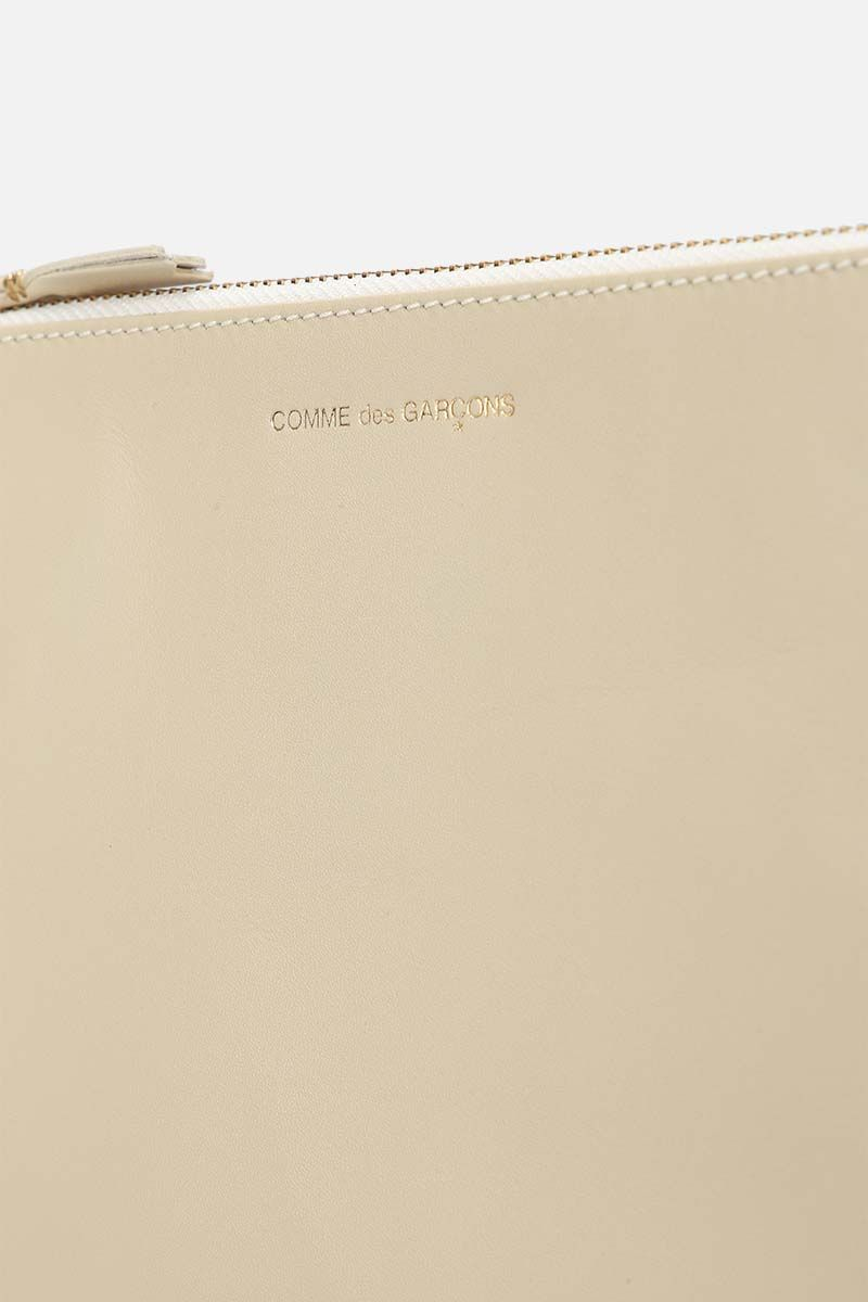 COMME des GARCONS WALLET: smooth leather large pouch Color White_4