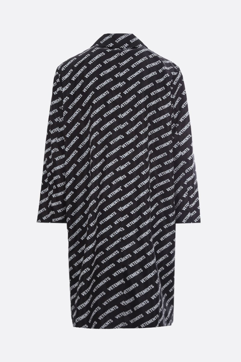 VETEMENTS: Vetements print nylon single-breasted overcoat Color Black_2