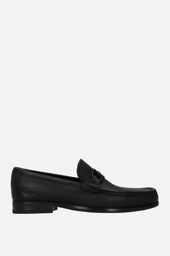 SALVATORE FERRAGAMO: Grandioso grainy leather leather loafers Color Black_1