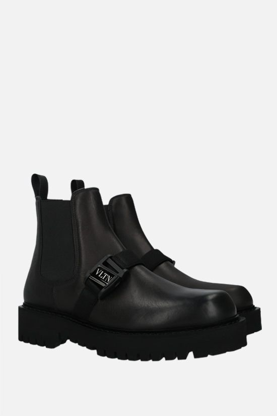 VALENTINO GARAVANI: VLTN buckle-detailed smooth leather beatles Color Black_2