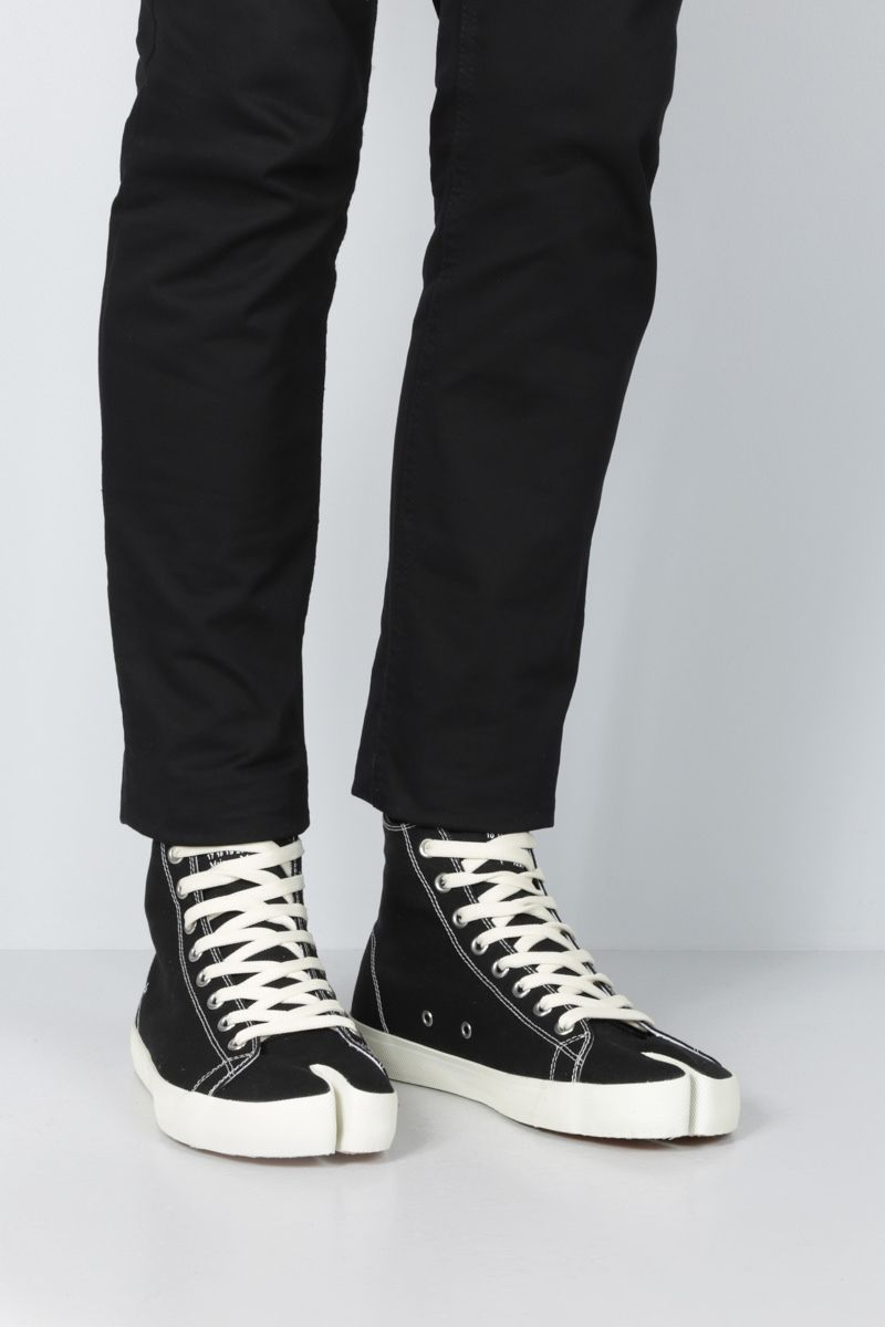 MAISON MARGIELA: Tabi high-top sneakers in canvas Color Black_2