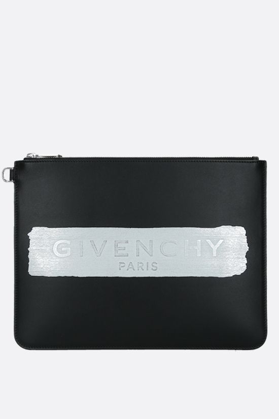 GIVENCHY: busta large in pelle liscia con logo Colore Nero_1