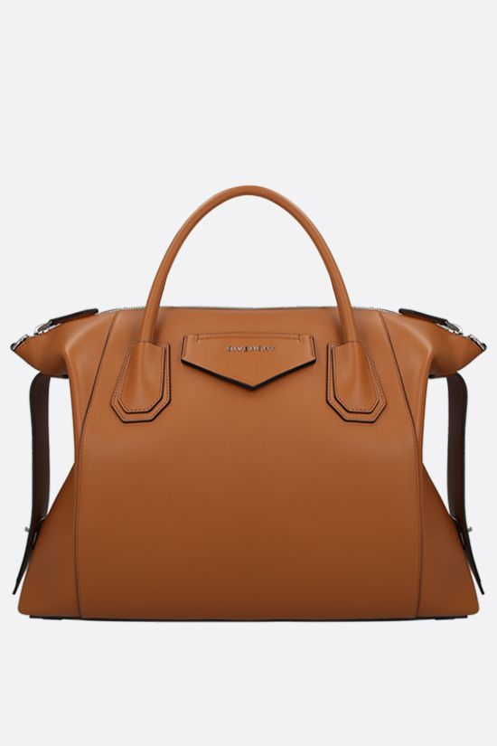 GIVENCHY: borsa a mano Antigona Soft media in pelle liscia Colore Marrone_1