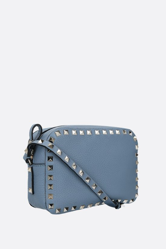 VALENTINO GARAVANI: Rockstud small grainy leather camera bag Color Blue_2