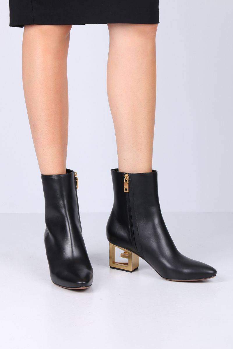 GIVENCHY: Triangle booties in smooth leather Color Black_2