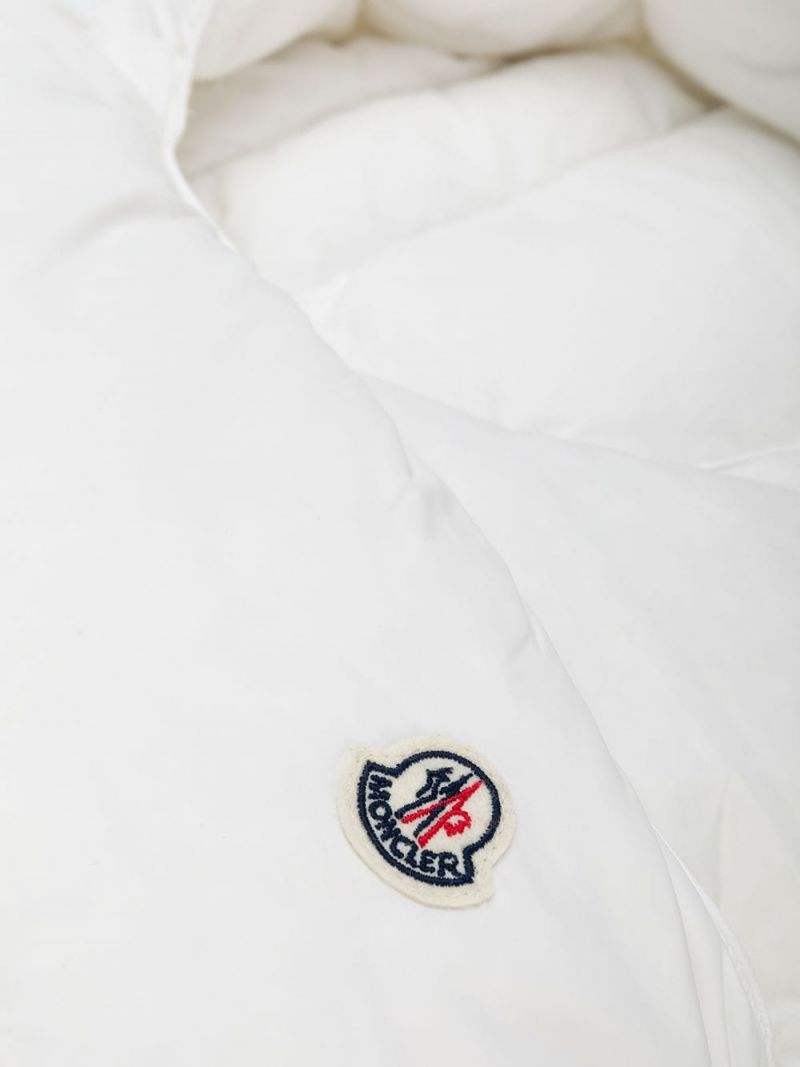 MONCLER KIDS: padded nylon sleeping bag Color White_2