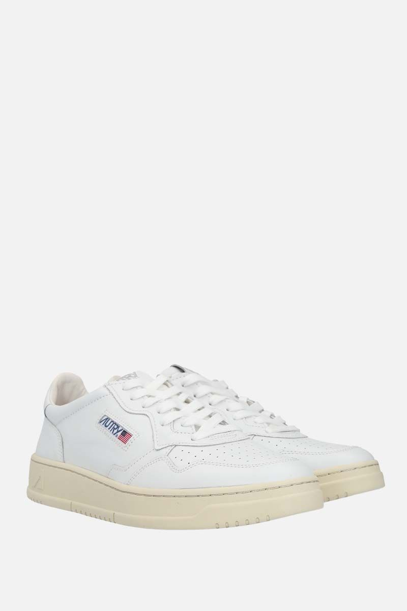 AUTRY: Autry Medalist smooth leather sneakers Color White_2