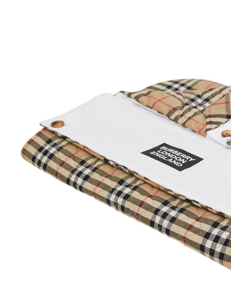 BURBERRY CHILDREN: Vintage check cotton qulted baby nest Color Brown_2