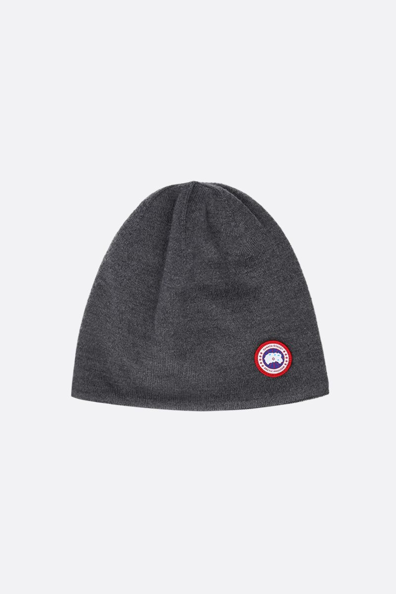 CANADA GOOSE: logo badge-detailed stretch wool beanie Color Grey_1