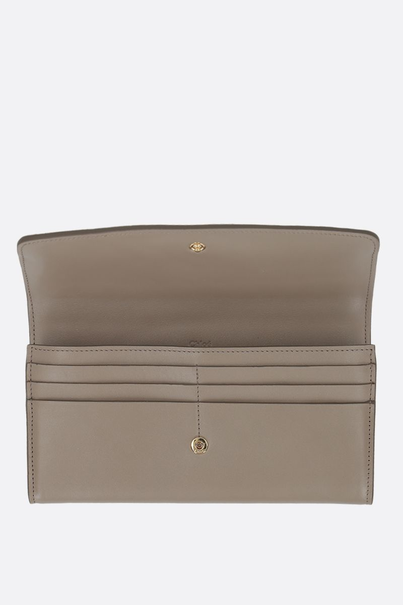 CHLOÈ: Chloè smooth leather flap wallet Color Grey_2