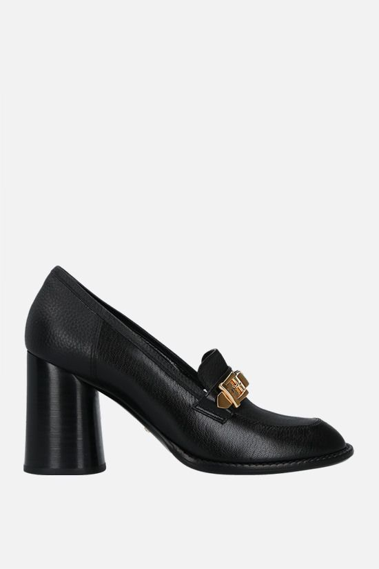 GUCCI: Sylvie chain-detailed textured leather loafers Color Black_1