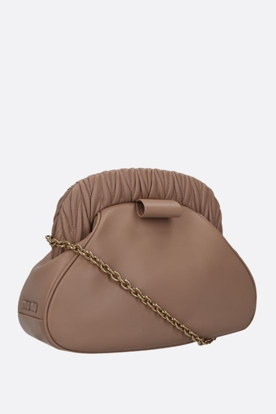 MIU MIU: soft nappa chain clutch Color Neutral_2