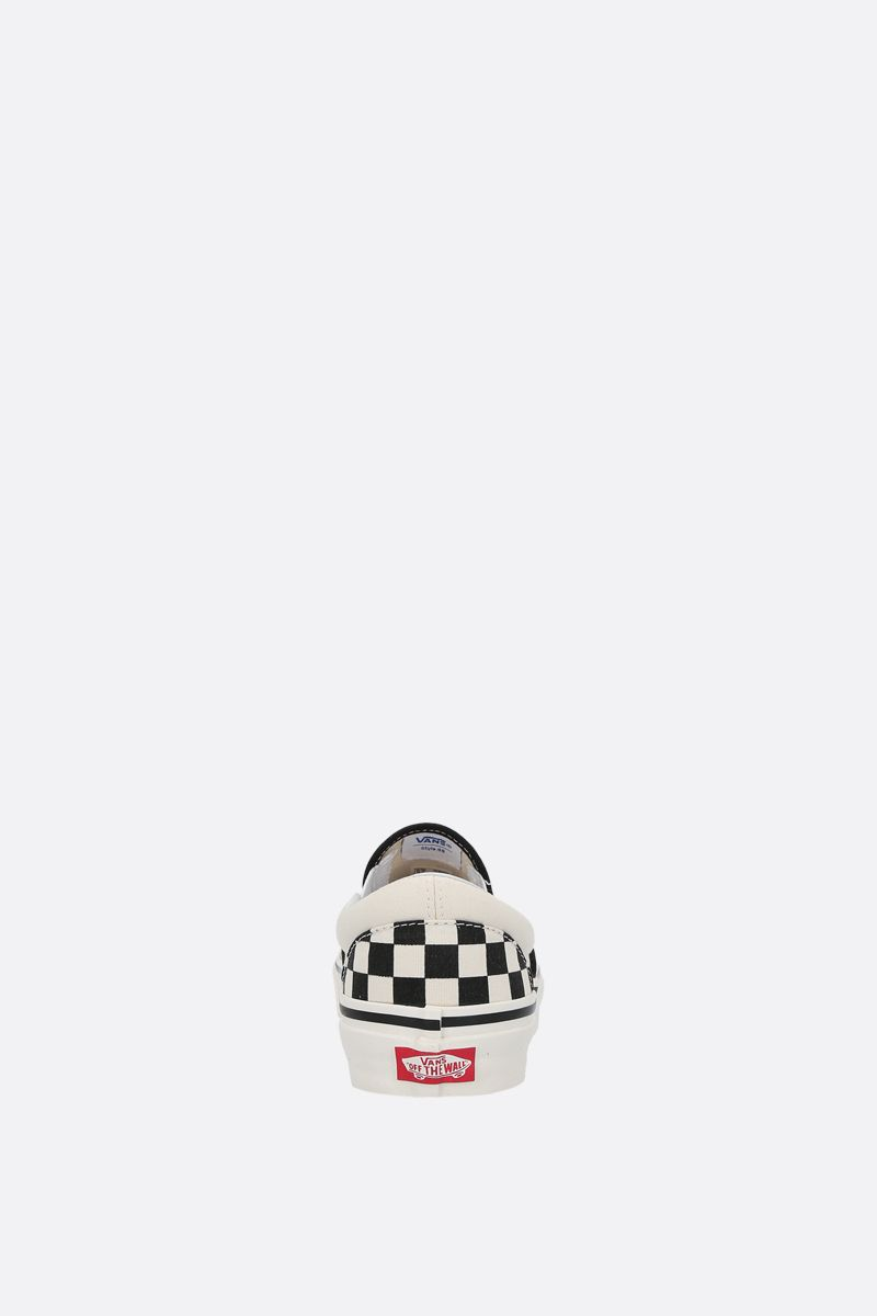 VANS: Classic Checkerboard canvas sneakers Color White_3