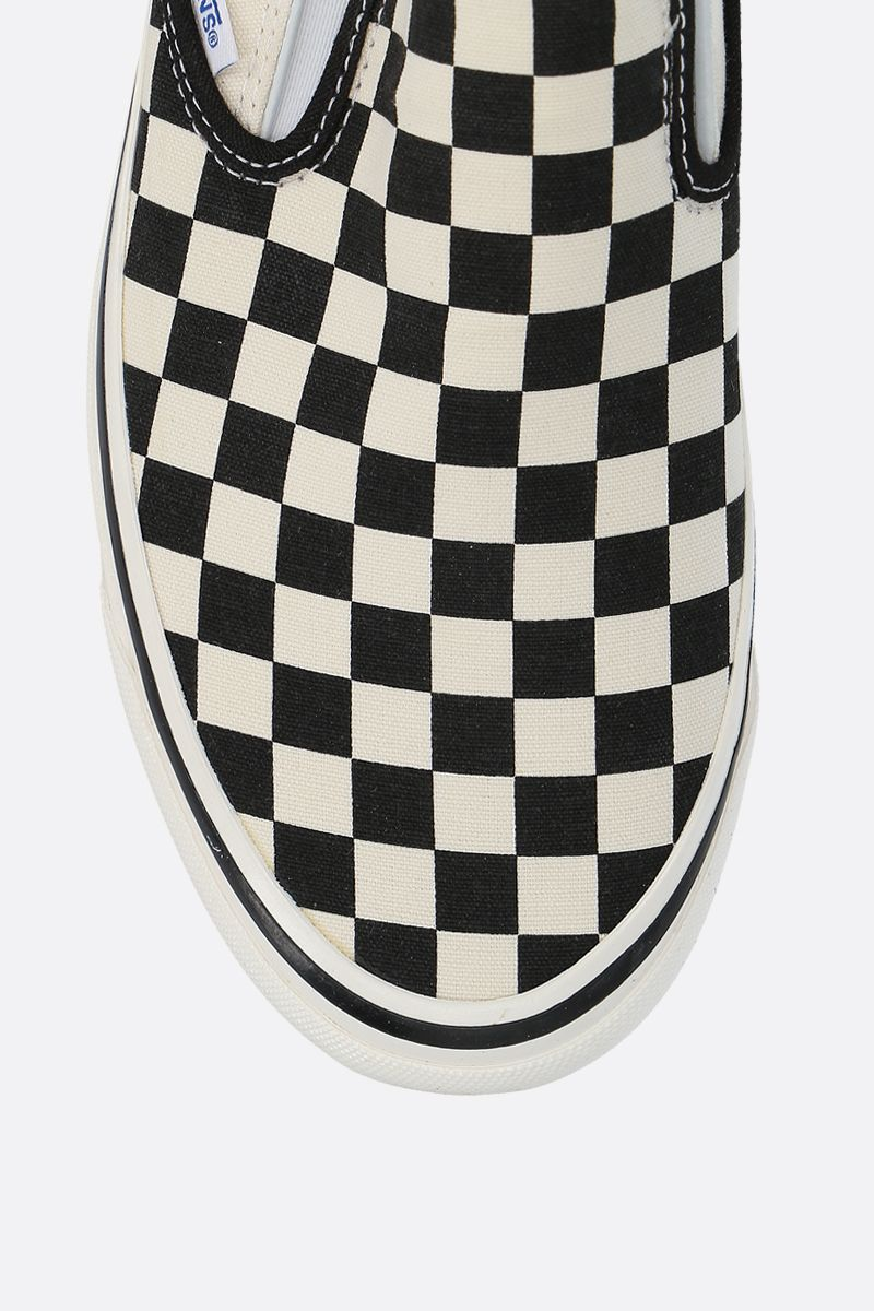 VANS: Classic Checkerboard canvas sneakers Color White_4
