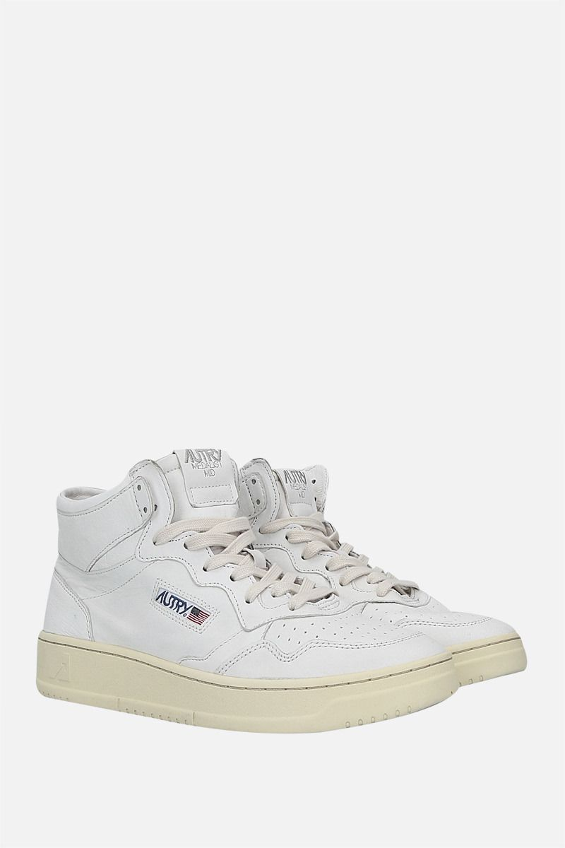 AUTRY: Autry Medalist smooth leather mid-top sneakers Color White_2
