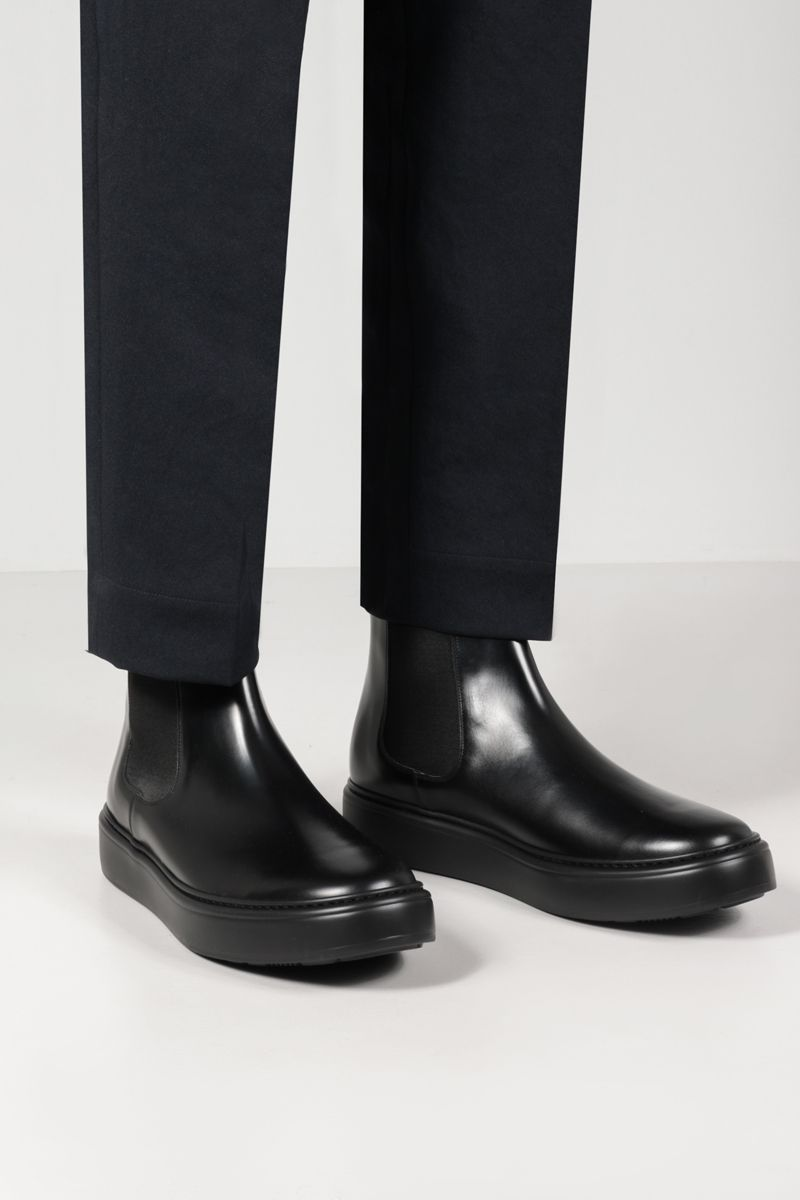 CHURCH'S: Wells We brushed leather chelsea boots Color Black_2