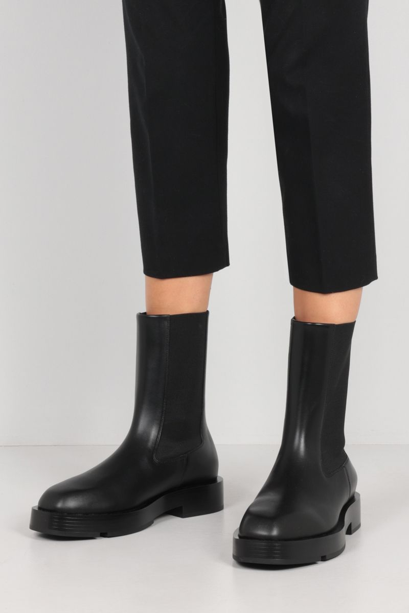 GIVENCHY: 4G-detailed smooth leather chelsea boots Color Black_2