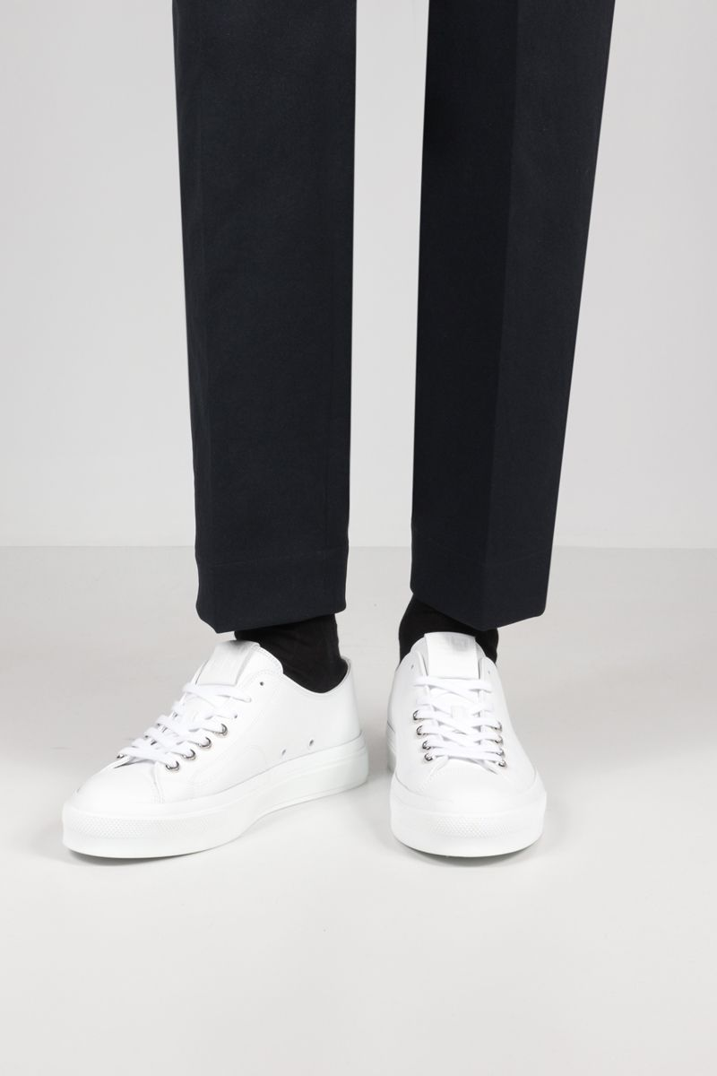 GIVENCHY: City grainy leather sneakers Color White_2