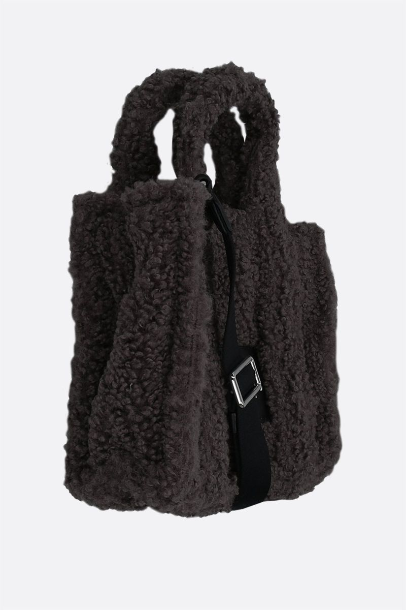 MARC JACOBS: The Teddy mini faux shearling tote bag Color Grey_2