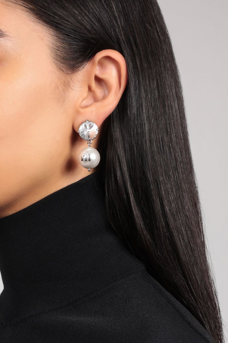 MIU MIU: Solitaire crystal and resin pearl-embellished brass earrings Color Multicolor_2
