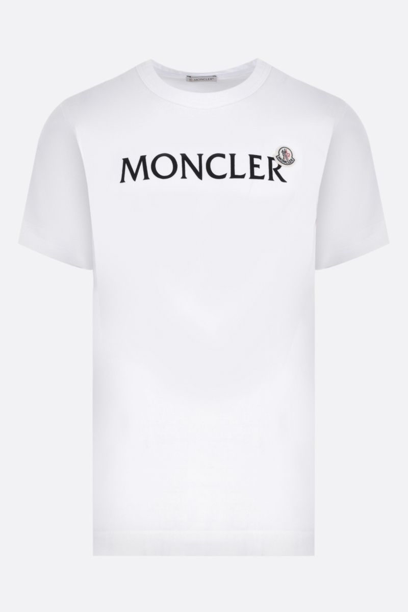 MONCLER: t-shirt in cotone patch logo Colore White_1