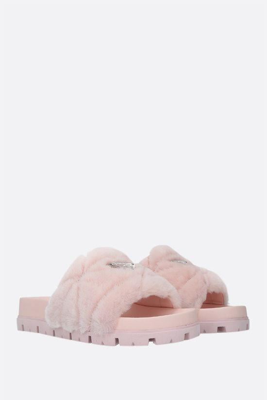 PRADA: sandalo slide in shearling con logo Colore Rosa_2