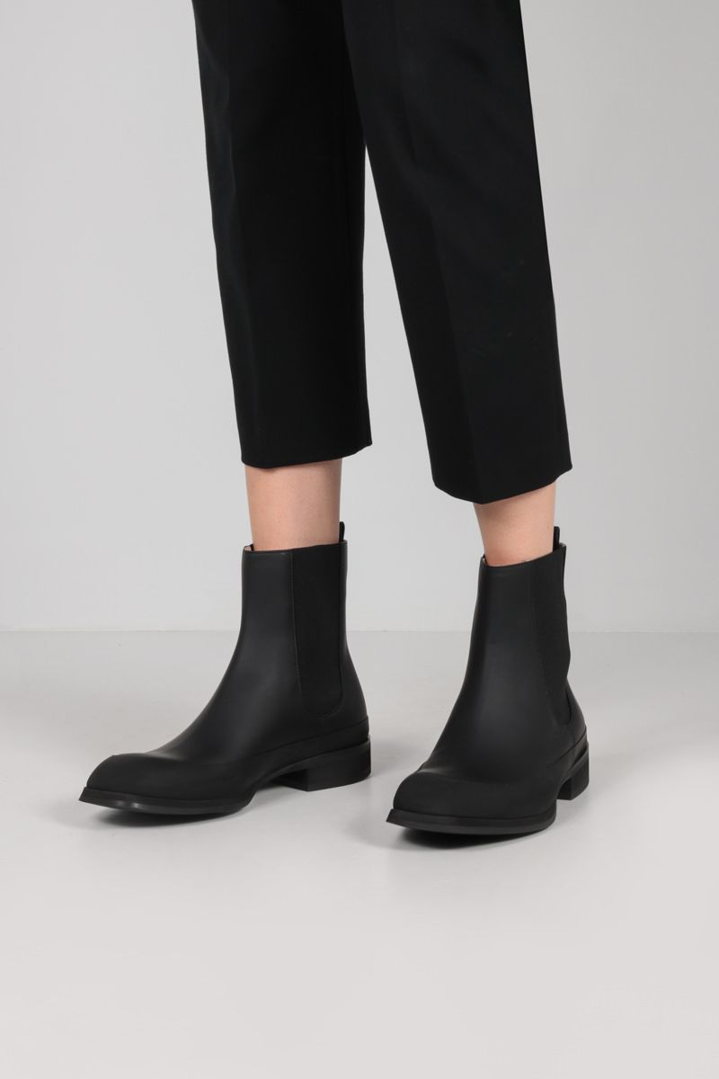 THE ROW: Garden rubberized leather ankle boots Color Black_2