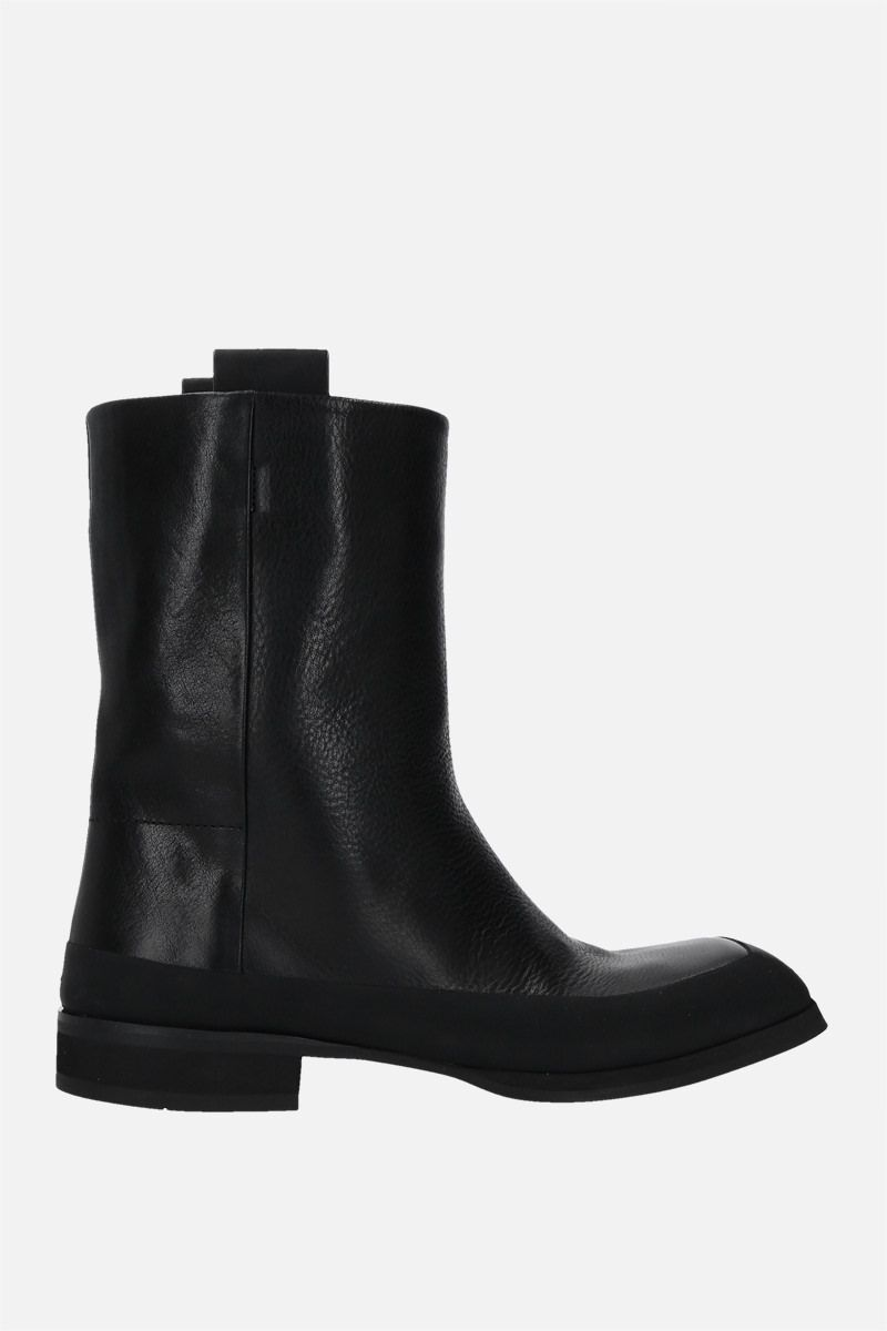 THE ROW: Grunge grainy leather boots Color Black_1