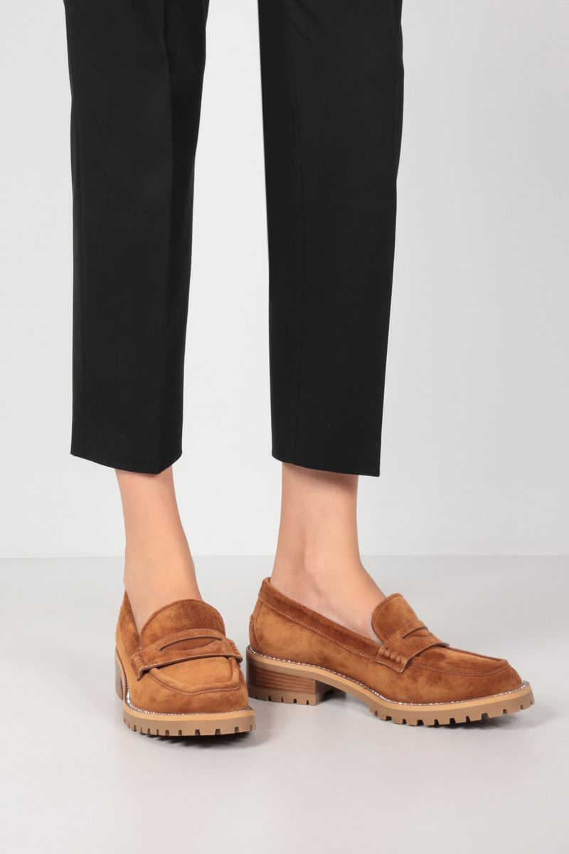 JIMMY CHOO: Deanna rhinestone-detailed suede loafers Color Brown_2