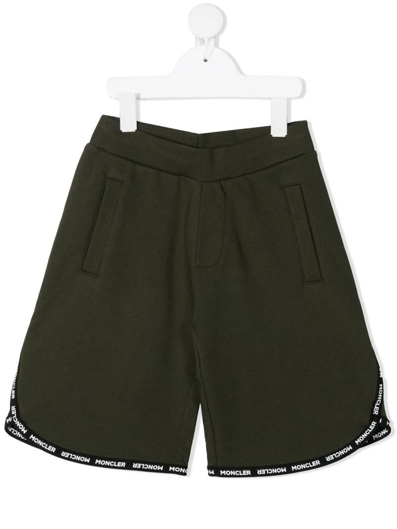 MONCLER KIDS: logoed trim-detailed cotton shorts Color Green_1