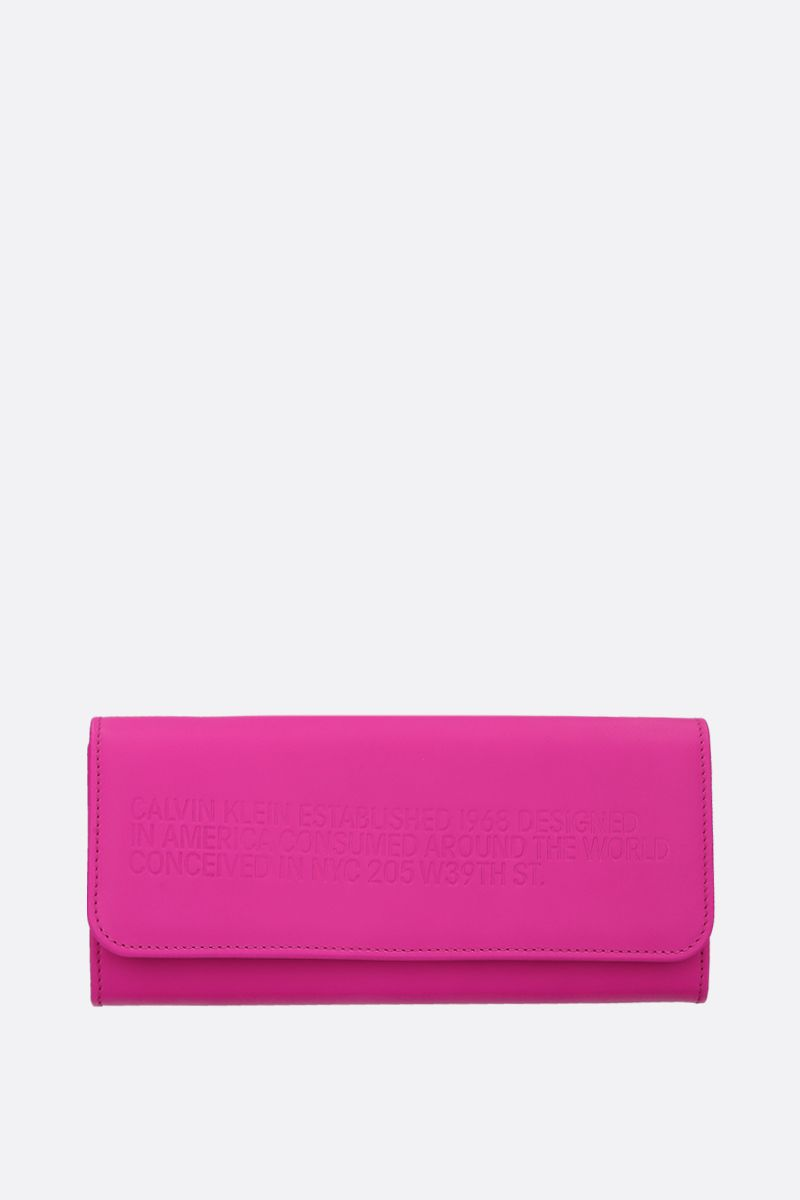CALVIN KLEIN 205W39NYC: embossed logo leather wallet on chain Color Pink_1
