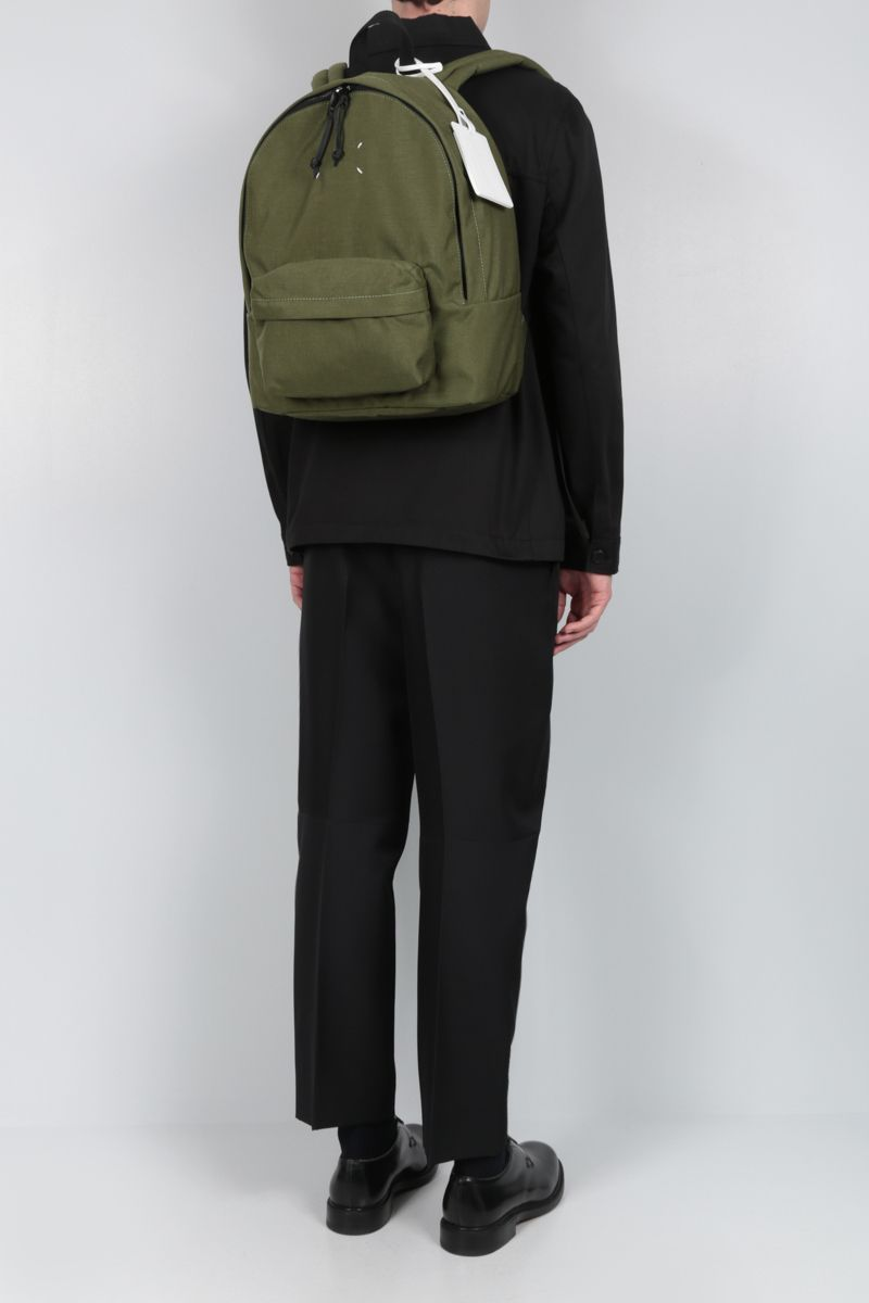 MAISON MARGIELA: logo badge-detailed nylon backpack Color Green_2