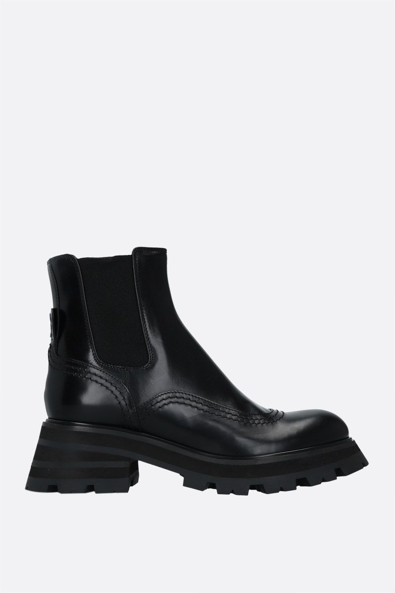 ALEXANDER McQUEEN: shiny leather chelsea boots Color Black_1