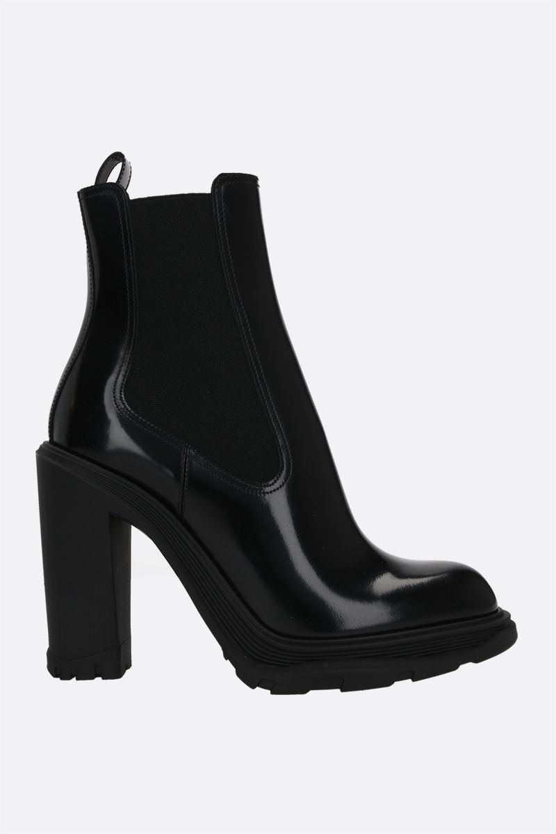 ALEXANDER McQUEEN: Tread brushed leather chelsea boots Color Black_1