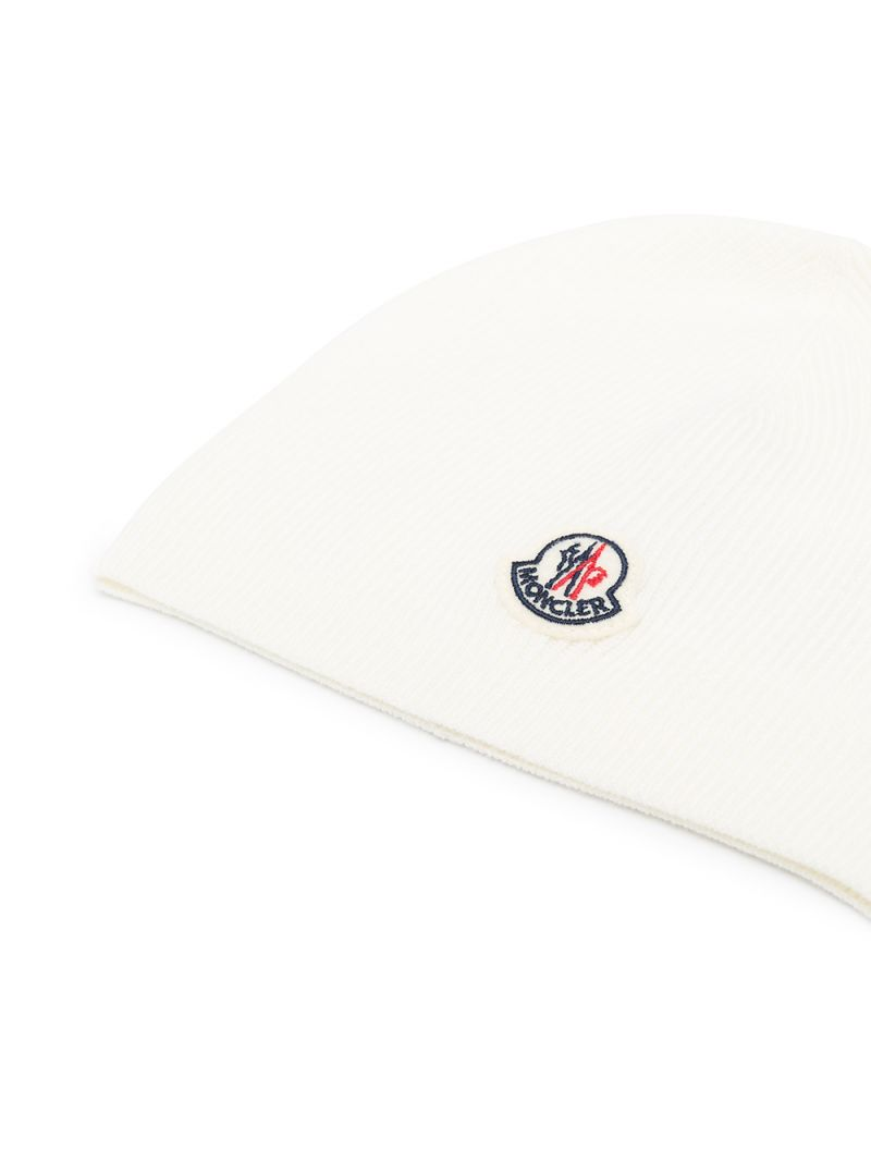MONCLER KIDS: logo patch wool beanie Color White_2