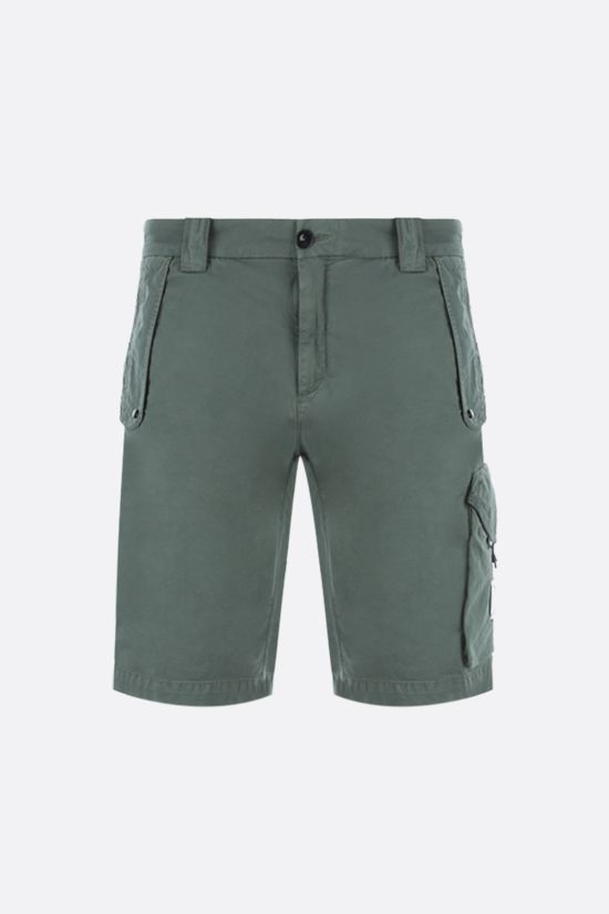 CP COMPANY: stretch cotton cargo shorts Color Green_1
