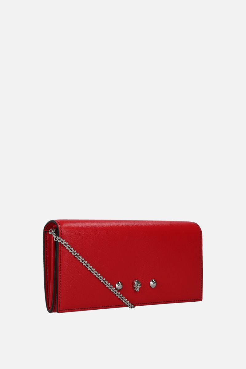 ALEXANDER McQUEEN: grainy leather chain clutch with Skull and studs Color Red_2