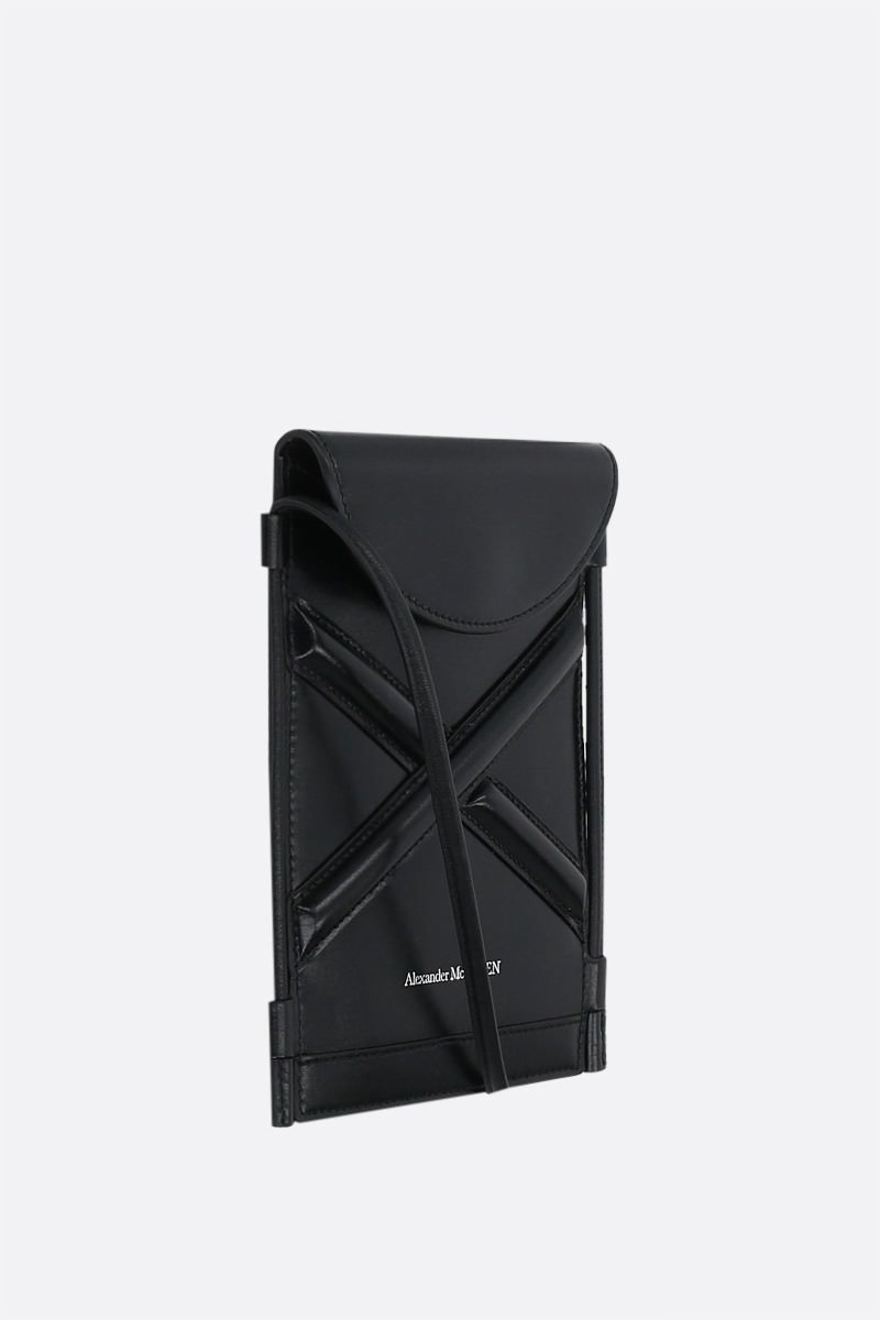 ALEXANDER McQUEEN: The Curve smooth leather smartphone holder Color Black_2