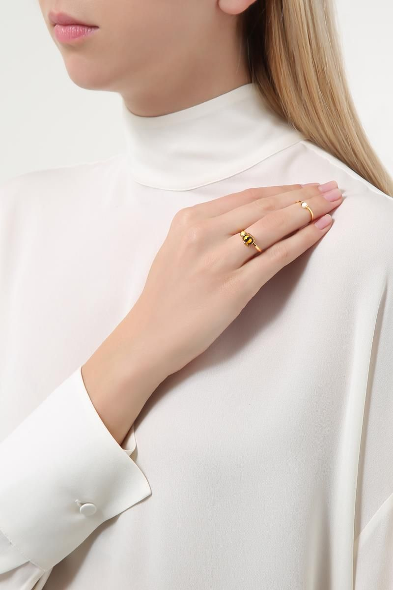 DELFINA DELETTREZ: Two in One Bee gold ring Color Gold_2