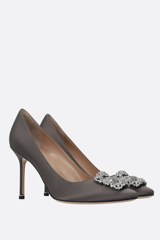 MANOLO BLAHNIK: Hangisi satin pumps Color Grey_2