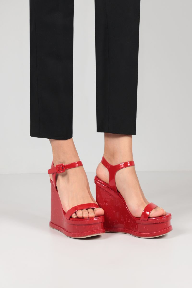 HAUS OF HONEY: Lacquer Doll patent leather wedge sandals Color Red_2