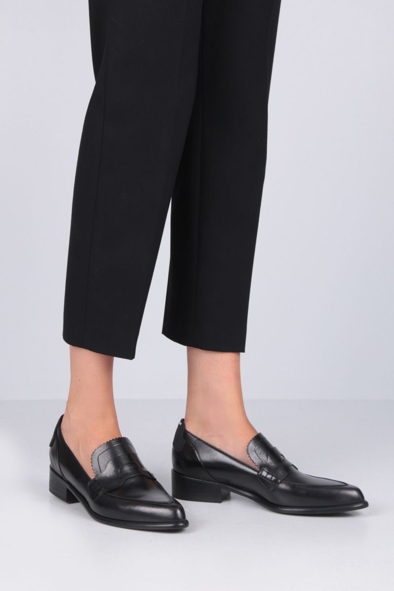 SPORTMAX: Solista loafers in shiny leather Color Black_2
